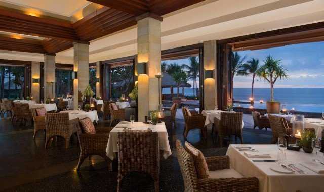 The Restaurant Interior | Seaside Restaurant Bali | The Legian Bali